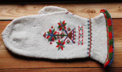 Stasvotten - locally designed mittens for festive occations. Photo: Møre og Romsdal Husflidslag